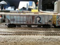 MTL-09644180 Weathered 3-Bay High Side Covered Hopper, Union Pacific (ex-RI) RD# 81633 side A.jpg
