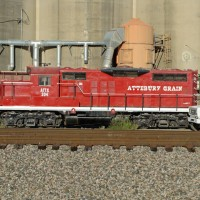 GP9 204, switcher @ Attebury Grain, Saginaw, TX