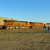 BNSF ES44ACs 5893 & 6179 as rear end DPU power on SB coalie