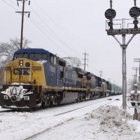 CSX7900 Southbound thru Wyoming OH, 1-29-09