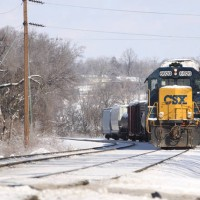 CSX6920 w/ southbound local, Wyoming OH, 1-30-09