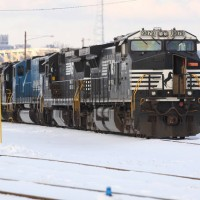 NS9879 idling w/ 4 other units, Ludlow Yard, Ky 1-30-09