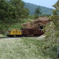 Eastbound C&O frieght into LR tunnel