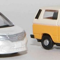 TomyTec-Serena-with-Lemke-VW-T3