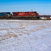 CP eastbound towards Minot