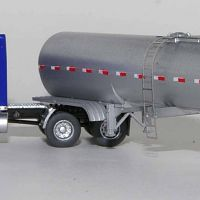 Trainworx Peterbilt 379 with Bulk Tank Trailer (2)