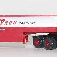 Trainworx 55120 Chevron Peterbilt 351 Fuel Tanker