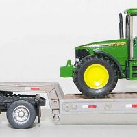Trainworx T800 with CMW Lowboy Trailer and Wiking John Deere Tractor