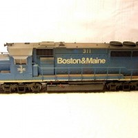 Atlas GP40-2 B&M, weathered