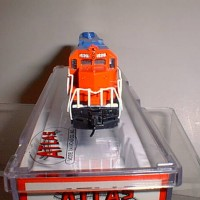 CUSTOM GT #5809 GP38 FRONT VIEW