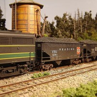 Athearn Coal Drag RDG hopper 82161