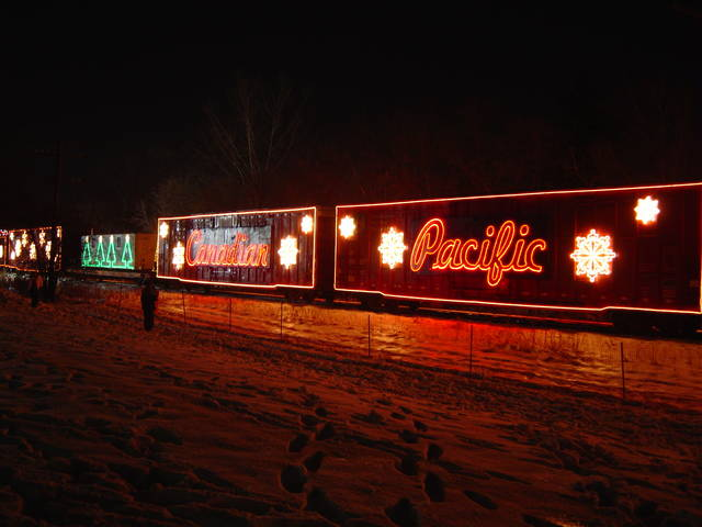 2006 CP Holiday Train.