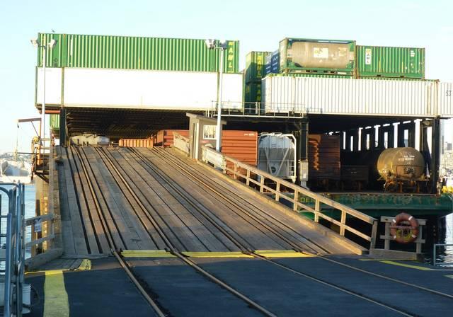 Alaska Railroad Barge | TrainBoard com - The Internet's Original