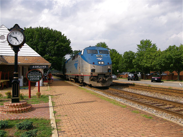 Amtrak 134 lead its train past the depot