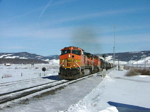 BNSF EB manifest charges thru Fraser, CO, on the 2%