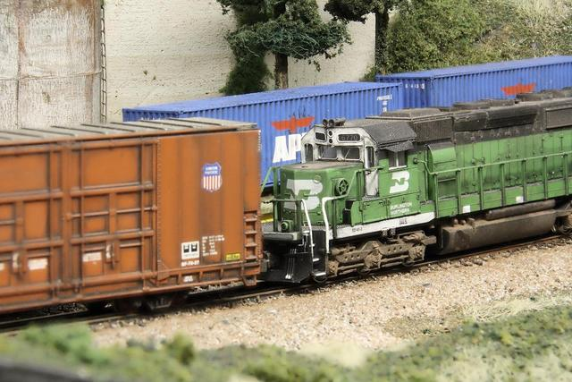 Close up shots:  BN SD40-2: BNSF BenZach Sub