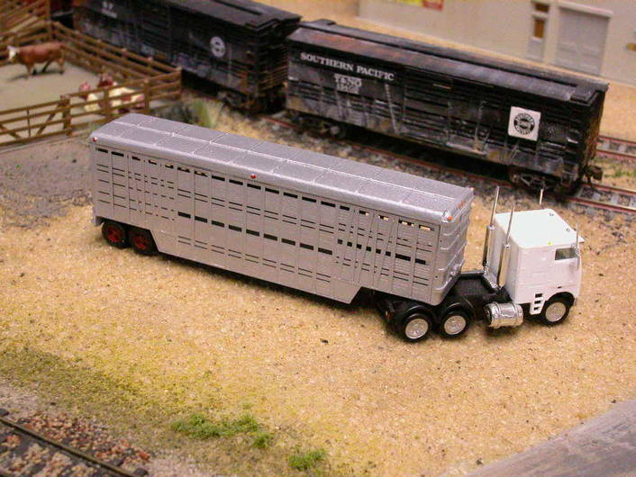 Forty Foot Stock Trailer by Lineside Models