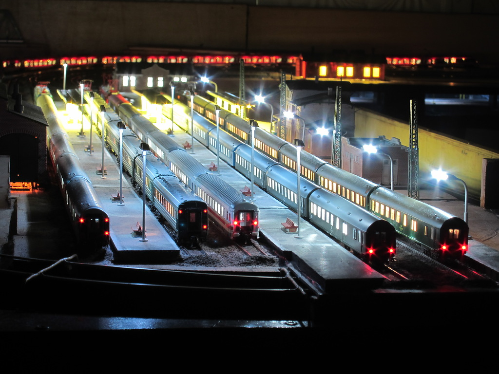 N-Scale passenger Train backs with lights!