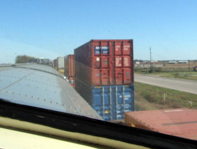 Passing container train