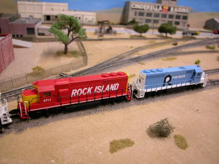 Raul Ameca's Rock Island Diesels on the Belmont Shores Club Layout