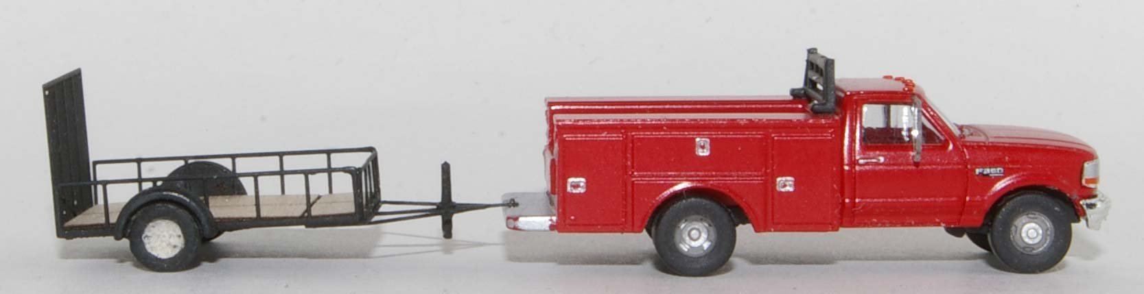 RPS F-350 with Showcase Minatures Trailer-1