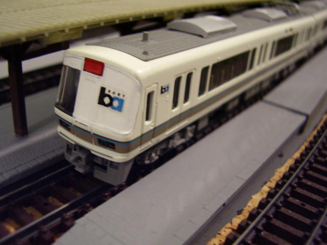 "San Francisco BART : ""very rough"" model, from a Kato set I have only to pant white the right half of face and adding two BART decals (custom)."