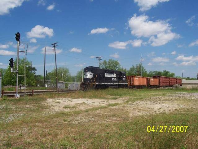 SB NS local crosses Cordele Interlocking