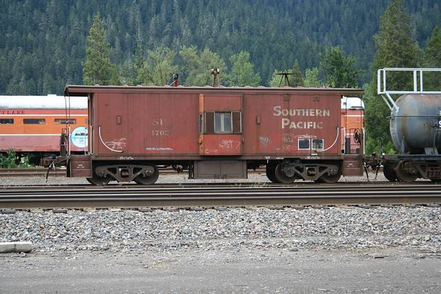 SP 4702 at Oakridge, Oregon   5-30-2011