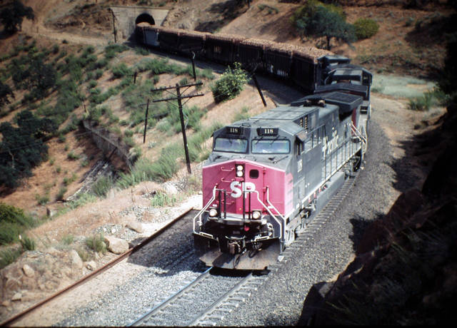 Westbound beets at Tunnel 7, Cliff, CA 6-12-00