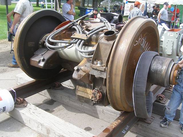 locomotive traction motor