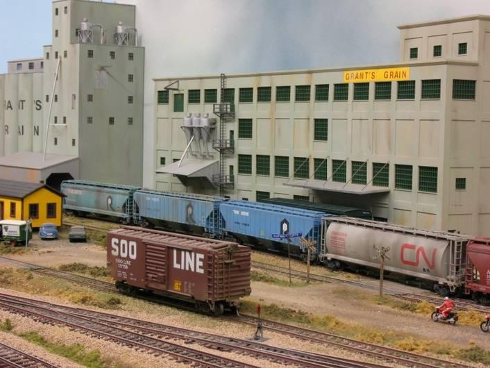 Background Buildings | TrainBoard com - The Internet's Original