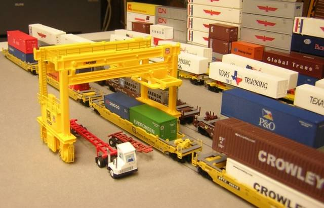 loaders toys r us with N Scale Intermodal Cranes Loaders on Loader Backhoes in addition  additionally 4000 Crawler moreover N Scale Intermodal Cranes Loaders as well .