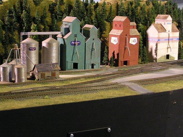 Wood Grain Elevator Colors? | TrainBoard com - The